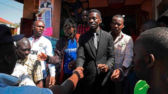 Bobi Wine emprionné à Kampala