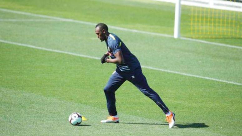 Football: Usain Bolt entame sa carrière de footballeur professionnel