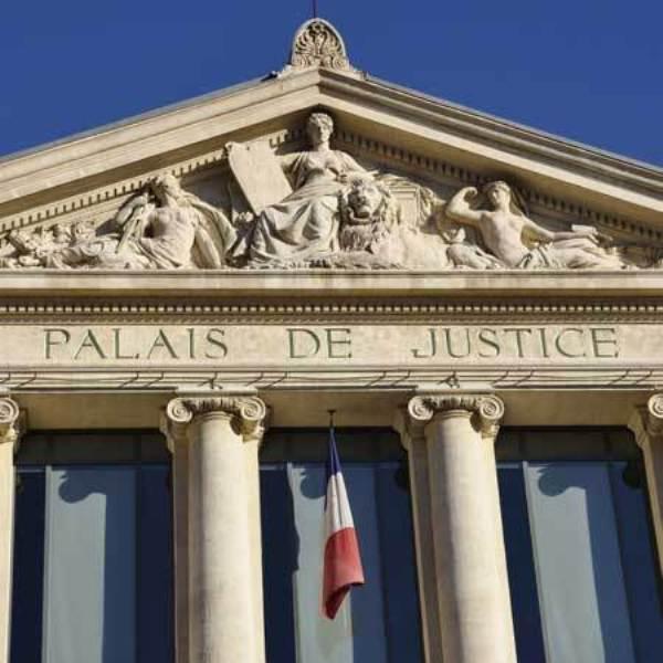 France: Un homme suspecté de djihadisme libéré par erreur