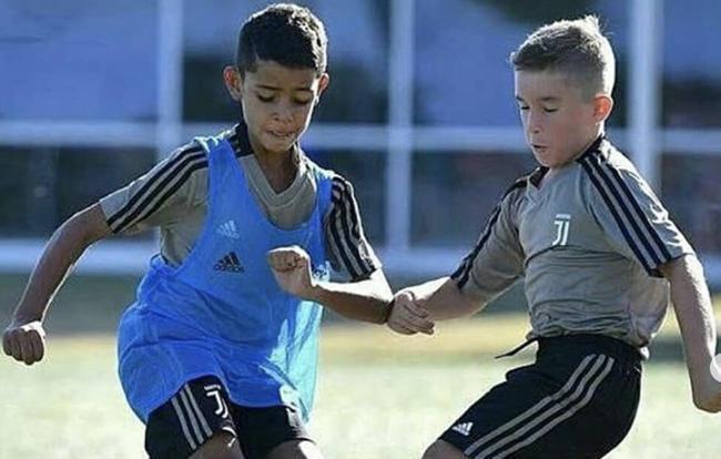 Juventus : le fils de Ronaldo flambe
