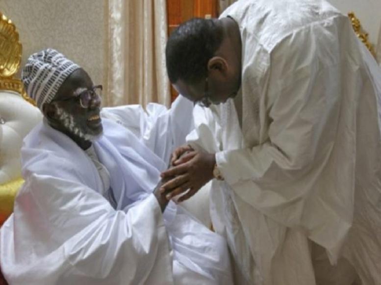 Macky Sall sollicite auprès du Khalife des mourides, des prières pour une Présidentielle apaisée