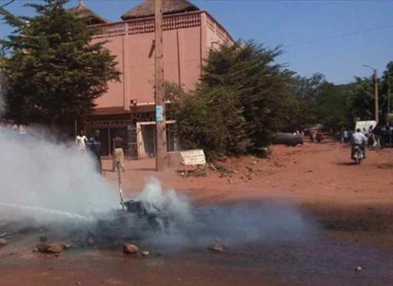 Mali: une manifestation dispersée à coup de gaz lacrymogène à la veille de l'investiture d'IBK