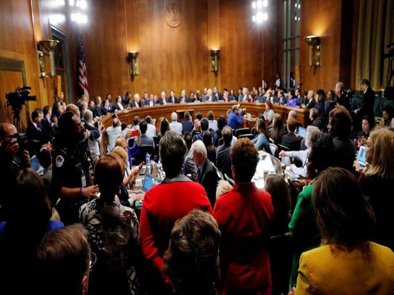 Kavanaugh: le Sénat accepte de reporter son vote le temps d'une enquête du FBI
