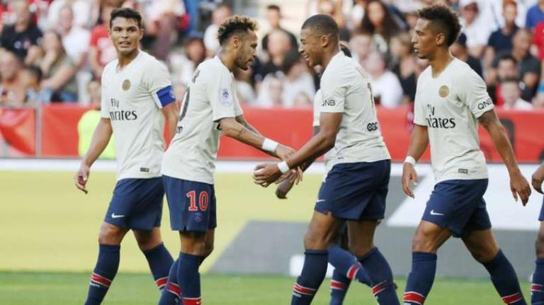 Largement dominateur de Nice, le PSG s'est logiquement imposé 3-0 grâce notamment à un doublé de Neymar