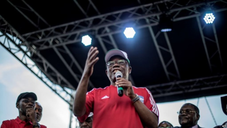 """Maurice Kamto clame victoire et se met """"hors-la-loi"""" selon le pouvoir au Cameroun"""