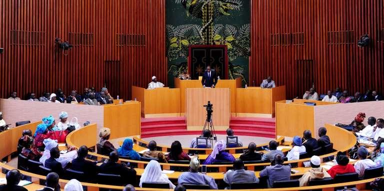 """Le groupe parlementaire """"Liberté et Démocratie"""" désigne un nouveau président, impose Pape Diop comme vice-président et Toussaint Manga comme porte-parole"""
