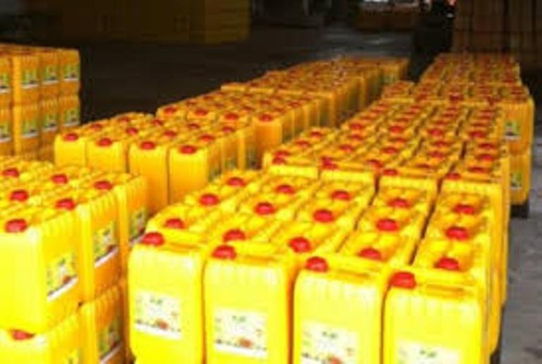 Plus de 27.000 litres d'huile prohibés saisis à Touba