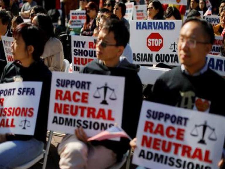 Discrimination : Harvard accusée de sous-noter les étudiants américains d'origine asiatique