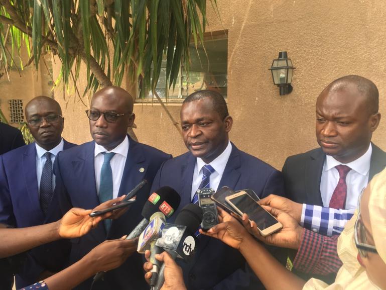 Le ministre du Commerce casse la hausse des prix du ciment