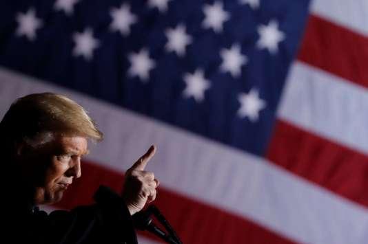 Selon Trump, l'armée pourrait faire feu sur les migrants