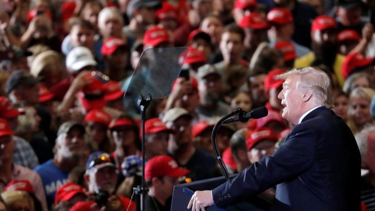Midterms aux Etats-Unis: en Floride, Trump défend son bilan et attise la peur