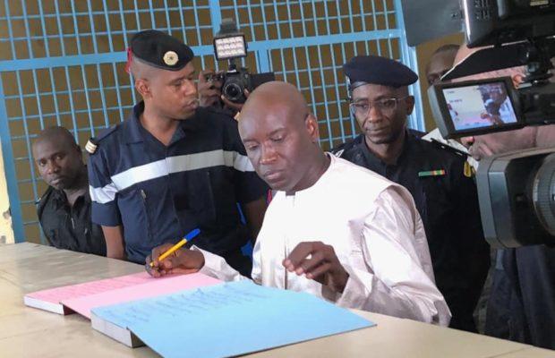 """Réunion CRD du Gamou 2018 : Aly Ngouille Ndiaye """"insulte"""" tous les maires, celui de Tivaouane le recadre"""