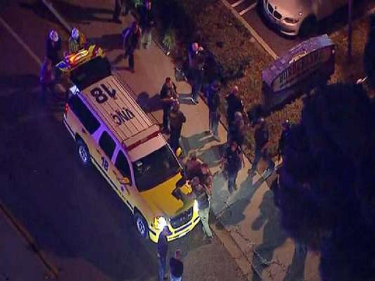 Californie : fusillade dans un bar d'une banlieue de Los Angeles, au moins 12 personnes tuées