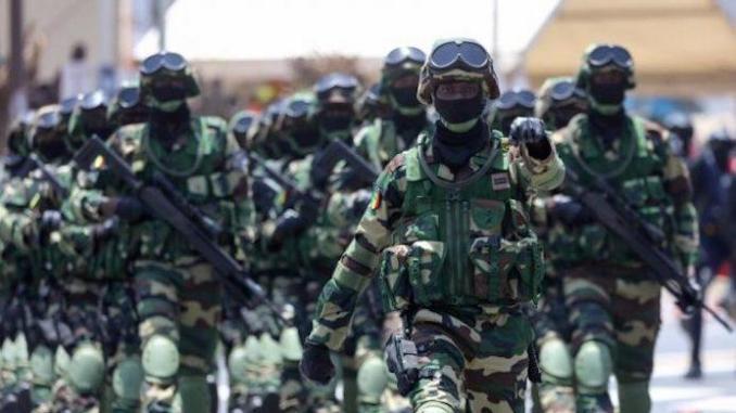 """Journée des Forces Armées: Macky Sall rend hommage aux """"Djambars"""""""