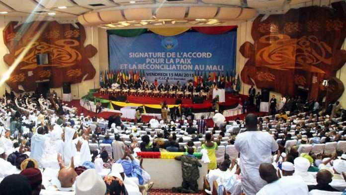 Mali: des associations protestent contre le projet de loi d'entente nationale