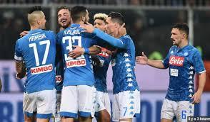 Serie A : Naples renverse le Genoa et met la pression sur l'Inter
