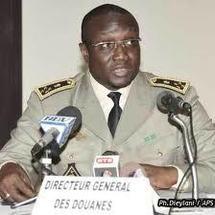 La Douane saisi 100 Millions de FCFA à l'aéroport Léopold Sédar Senghor