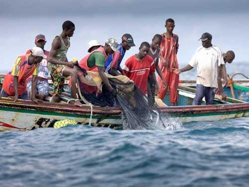 Les pêcheurs sénégalais menacés de chômage à cause des armateurs étrangers
