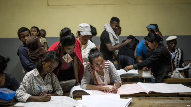 Présidentielle à Madagascar: Rajoelina et Ravalomanana qualifiés pour le second tour