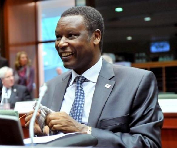 Burundi: l'ex-président Pierre Buyoya «stupéfait» par le mandat d'arrêt qui le vise