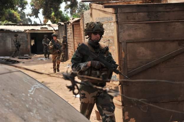 La France donne des armes à la République centrafricaine