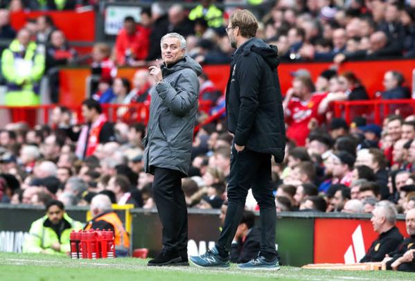 Premier League : Mourinho ridiculise Klopp, Liverpool-Man United a commencé