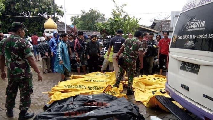 Indonésie : le bilan du tsunami passe à 373 morts