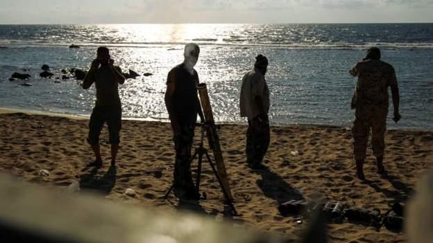 Une fosse commune de l'EI découverte en Libye