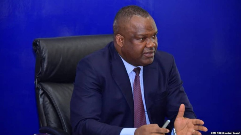 Réunion entre les candidats, la Céni et les observateurs africains