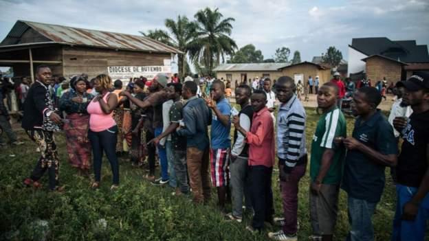 Des habitants de Butembo prennent part à l'élection qu'ils ont eux-même improvisé, malgré le report officiel de la Ceni.