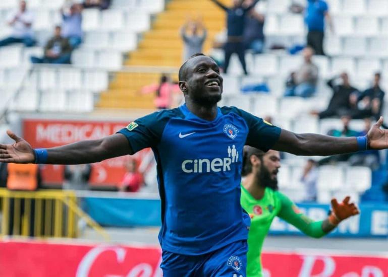 Nice : Mbaye Diagne pisté pour remplacer Balotelli