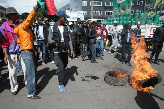Heurts entre la police et les partisans de Ravalomana