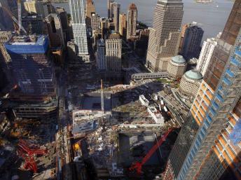 Le site de Ground Zero, à New York, où deux avions avaient percuté les tours du World Trade Center le 11 septembre 2001. REUTERS/Mike Segar
