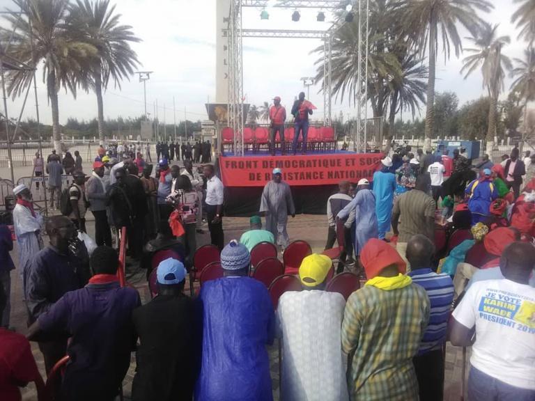 Les premières images du Sit-in de l'opposition de la Place à la Nation