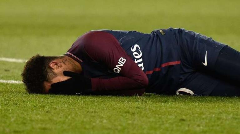 PSG, 10 semaines d'indisponibilité pour Neymar !