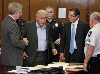 Première audience cruciale pour Dominique Strauss-Kahn à Manhattan
