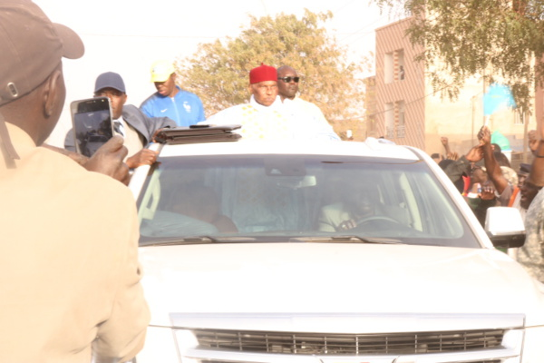 Suivez en DIRECT l'arrivée de Me Abdoulaye Wade à l'AIBD