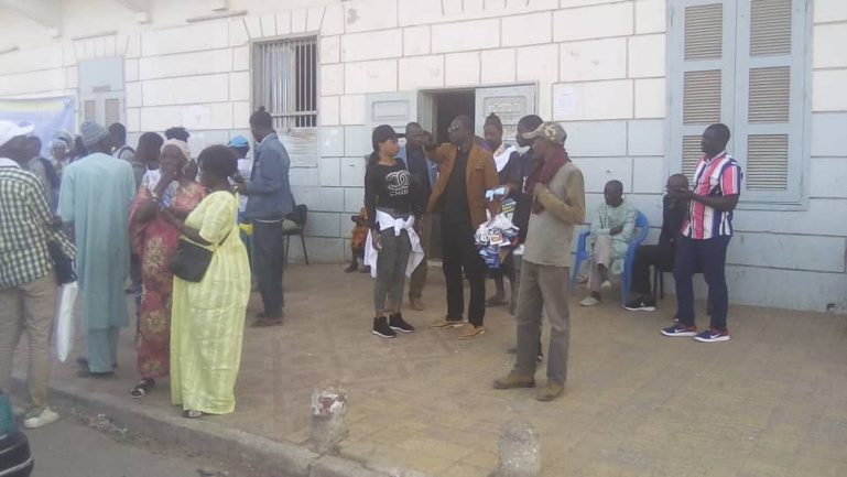 Direct arrivée de Wade: les militants déjà prêts à Rufisque (Photos + vidéo)