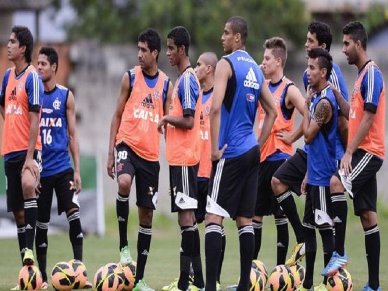 Dix morts dans l'incendie du club de football Flamengo à Rio de Janeiro
