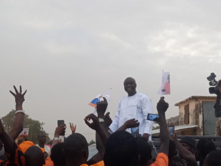 """Idrissa Seck raille Macky à Malem Hodar : """"vaut mieux être dans le coeur des gens que de distribuer des tee-shirts"""""""