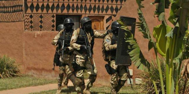 Burkina: 2 militaires tués par l'explosion d'un cadavre piégé