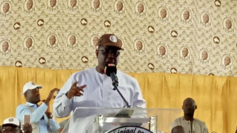 Rufisque: Macky raille «la coalition des recalés et des repêchés»