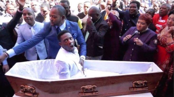 """En Afrique du Sud, une plainte contre un pasteur, pour une """"résurrection"""""""