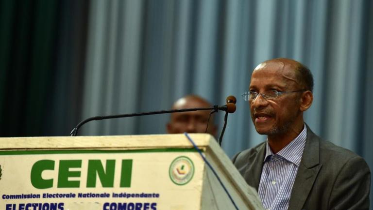 Aux Comores, onze des douze candidats d'opposition se constituent en collectif