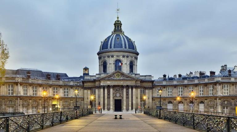 L'Académie française adopte la féminisation des noms de métiers