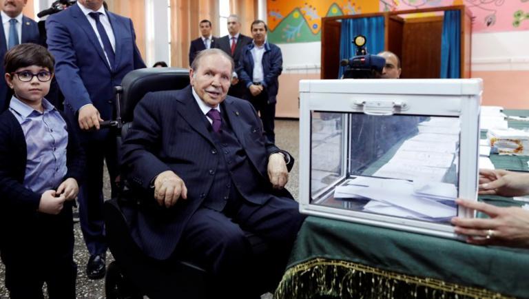 Algérie: Bouteflika promet, s'il est réélu, de ne pas terminer son mandat (télévision)