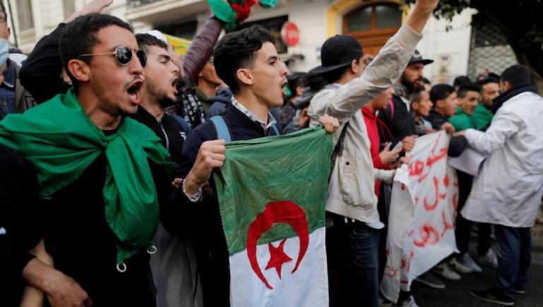 Candidature de Bouteflika: les étudiants une nouvelle fois dans la rue en Algérie