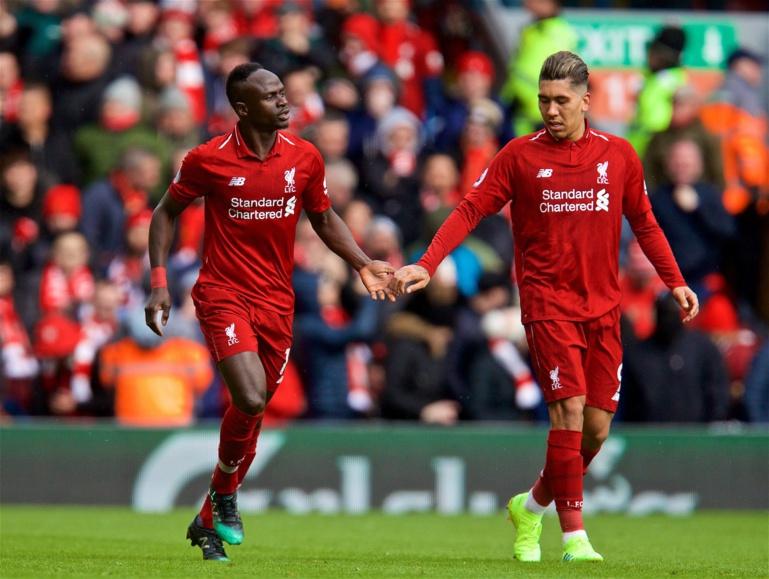 Liverpool bat Burnley: Sadio Mané inscrit ses 15e et 16e buts de la saison en PL