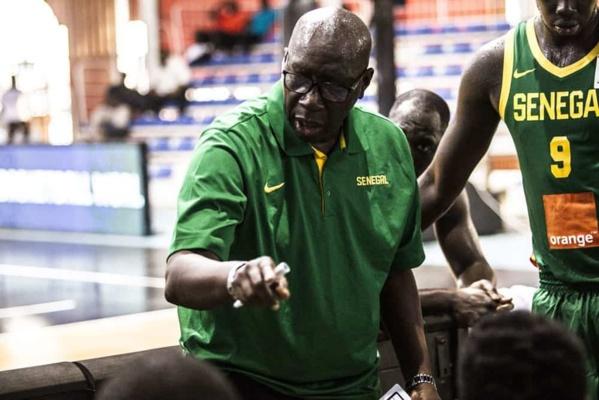 """Basket :  """"Adidas"""" le coach des """"lions"""" sans contrat, le doyen Laye Diaw dans un état de choc"""