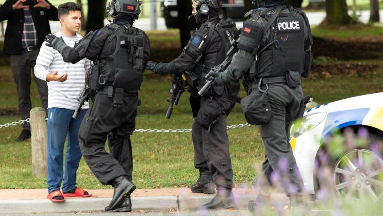 49 morts dans les attaques de mosquées en Nouvelle-Zélande et le tireur est un citoyen australien